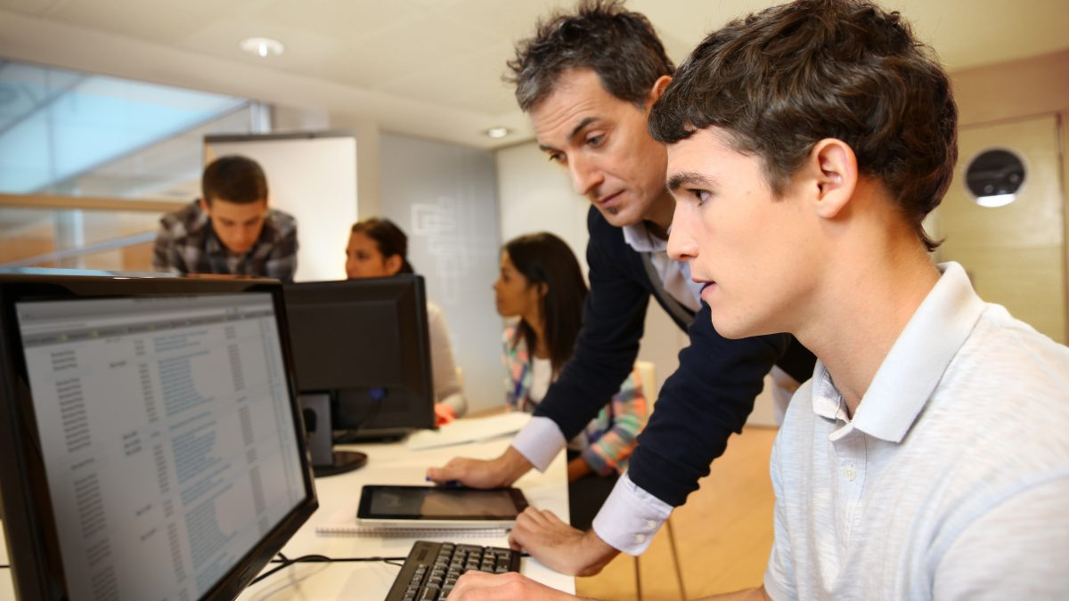 'Sharp decline' in computing science teachers, study shows