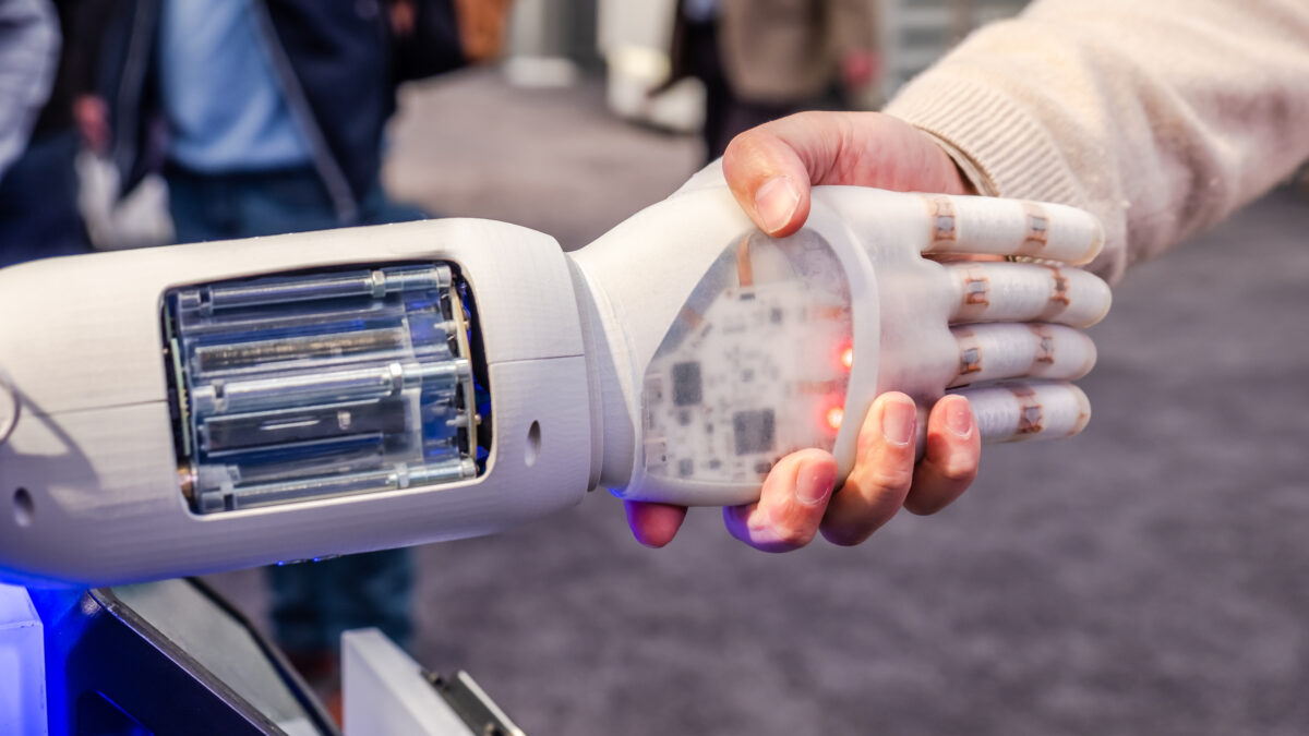 Reaching out to the 'cobots' – new centre will explore human-robot connection