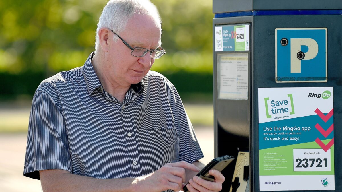 Stirling drivers 'appy with new cashless parking