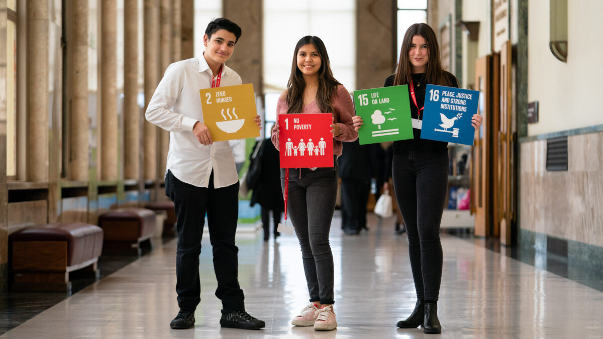 Pupils around the world to attend virtual youth summit during Cop26